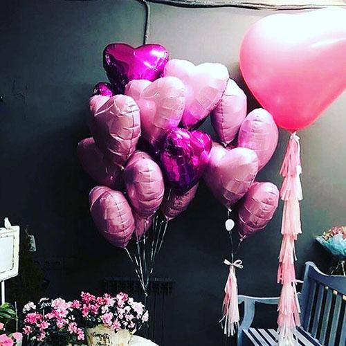 Розовые сердца для украшения стола