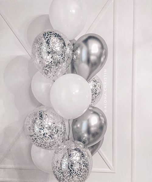 Серебрянные шарики в виде фонтана