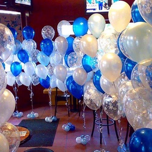 Фонтаны из белых и голубых шаров